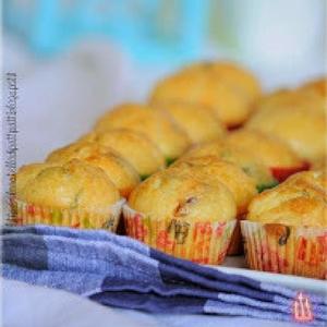 mini muffin con feta e pomodori secchi